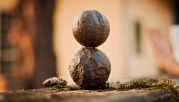 Kozma Szilárd: A polaritás és az Apokalipszs törvénye (Az V. törvény) - 2. rész